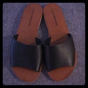 Lucky Brand size 7 shoes-never worn